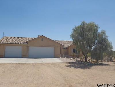Yucca Single Family Home For Sale: 7875 E Yucca Dr #52