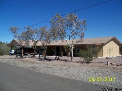 Bouse Single Family Home For Sale: 42605 Little Butte Rd.