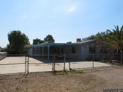 Mohave County Manufactured Home For Sale: 8306 S Pine Dr