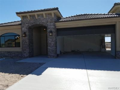 Bullhead City Single Family Home For Sale: 2914 Steamboat Dr