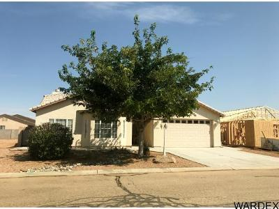 Kingman AZ Single Family Home For Sale: $191,000