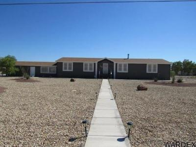 Mohave County Manufactured Home For Sale: 7142 S Mountain View Rd