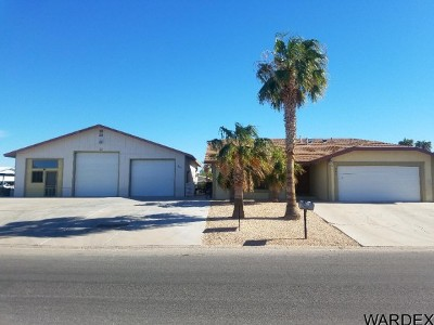 Bullhead City Single Family Home For Sale: 586 Ramar Rd