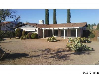Kingman AZ Single Family Home For Sale: $180,000