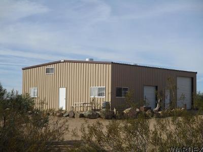 Yucca Single Family Home For Sale: 20374 S Road Runner Road