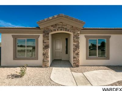 Kingman Single Family Home For Sale: 700 Paula's Place