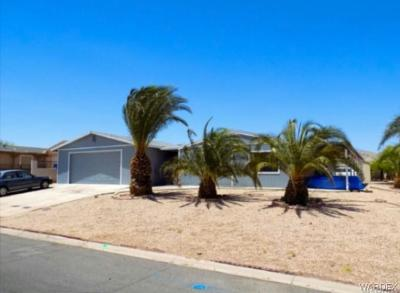 Mohave County Manufactured Home For Sale: 599 Roadrunner Drive
