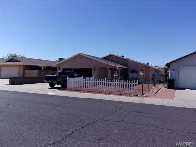 Kingman AZ Single Family Home For Sale: $156,000
