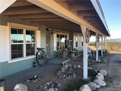 Mohave County Manufactured Home For Sale: 7190 E Red Barrel Drive