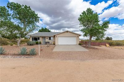 Kingman AZ Single Family Home For Sale: $179,900