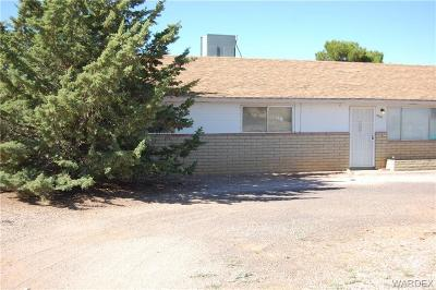 Kingman AZ Single Family Home For Sale: $150,000