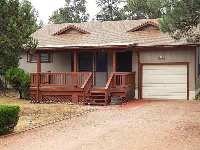 Overgaard AZ Single Family Home For Sale: $159,900
