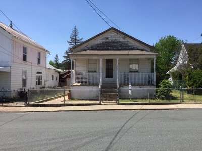 Single Family Home Sold: 95 Broad Street