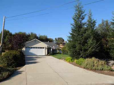 Single Family Home For Sale: 3655 Lakeview Drive