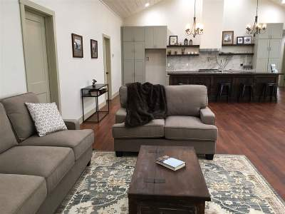 Single Family Home For Sale: 108 E Market
