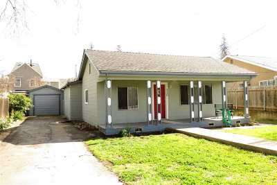 Single Family Home For Sale: 210 S Sacramento Street