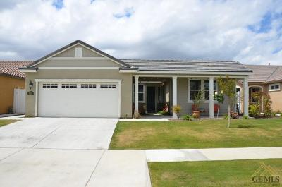 Bakersfield CA Single Family Home For Sale: $288,500