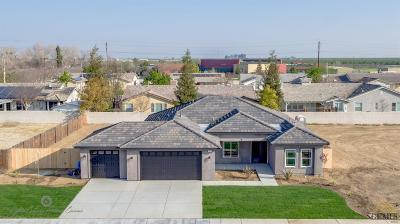 Shafter Single Family Home For Sale: 864 Sonora Drive