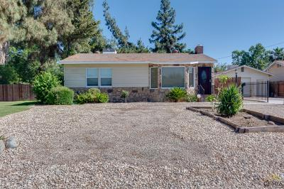 Bakersfield CA Single Family Home For Sale: $215,000