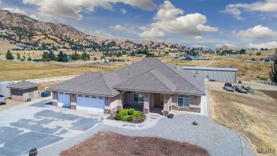 Tehachapi Single Family Home For Sale: 20733 Oak Knoll Drive