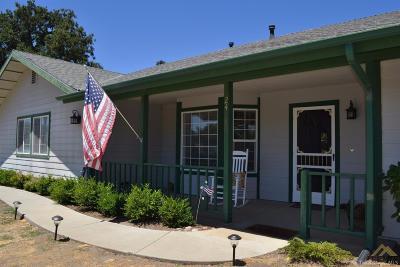 Tehachapi Single Family Home For Sale: 24180 Deertrail Drive