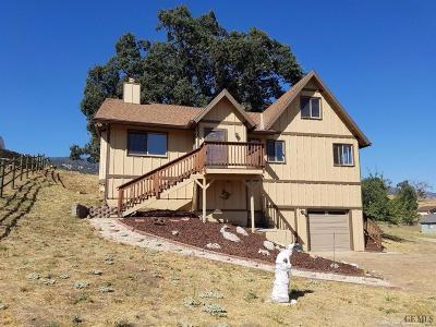 Tehachapi Single Family Home For Sale: 29920 Rollingoak Drive