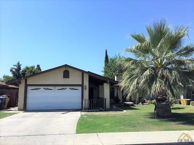 Bakersfield CA Single Family Home For Sale: $169,990
