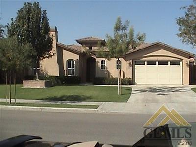 Bakersfield CA Single Family Home For Sale: $335,000