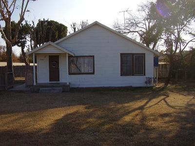 Bakersfield CA Single Family Home For Sale: $299,000