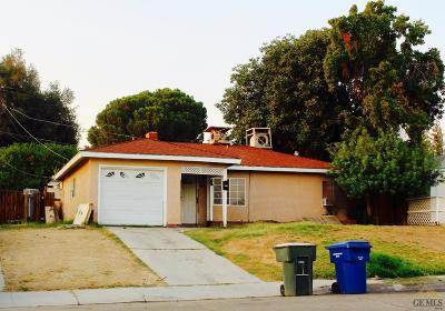 Bakersfield CA Single Family Home For Sale: $134,900