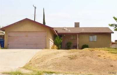 Bakersfield CA Single Family Home For Sale: $149,900
