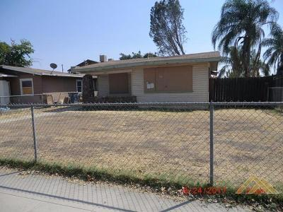 Bakersfield Single Family Home For Sale: 1427 E 18th Street