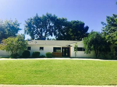 Bakersfield Single Family Home For Sale: 3606 Claremont Drive