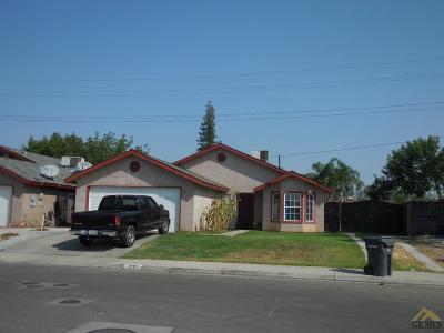 Delano Single Family Home For Sale: 2201 Lamplight Lane