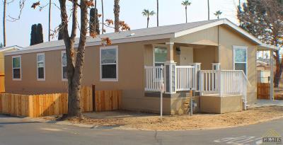 Bakersfield Manufactured Home For Sale: 259 Mary Kay Lane