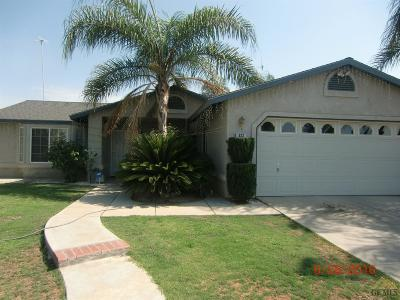 Delano Single Family Home For Sale: 322 Camino Real Drive