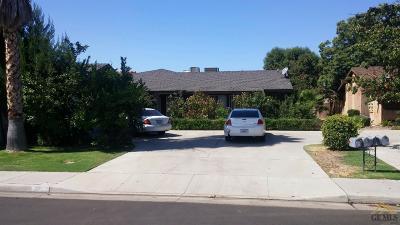 Bakersfield Multi Family Home For Sale: 3208 La Costa Street