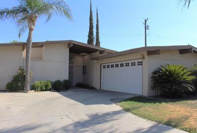 Bakersfield Single Family Home Active-Contingent: 3707 Lillian Way