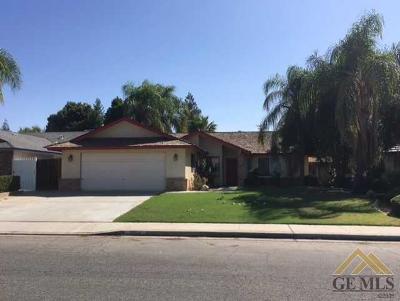 Bakersfield Single Family Home For Sale: 3904 Abbott Drive