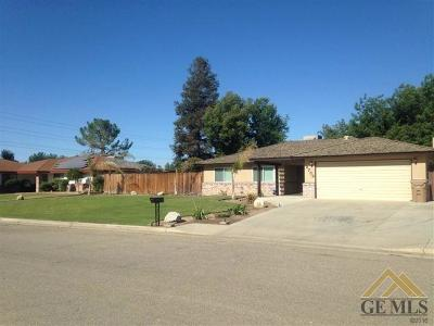 Bakersfield CA Single Family Home For Sale: $359,500
