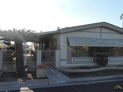 Bakersfield CA Manufactured Home For Sale: $49,900