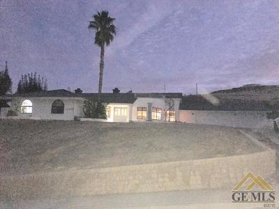 Taft Single Family Home For Sale: 805 Vista Via Drive
