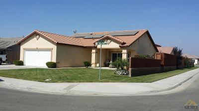 Shafter Single Family Home For Sale: 226 Winters Drive