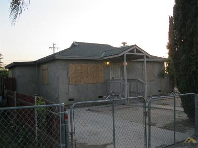 Bakersfield CA Single Family Home For Sale: $172,900
