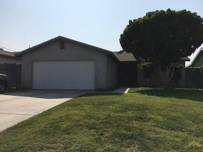 Bakersfield Single Family Home For Sale: 107 Obregon Avenue