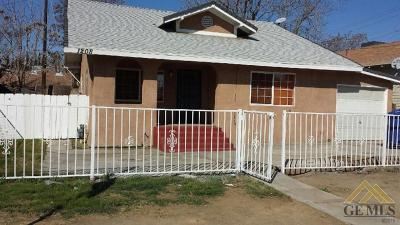 Bakersfield CA Single Family Home For Sale: $144,900