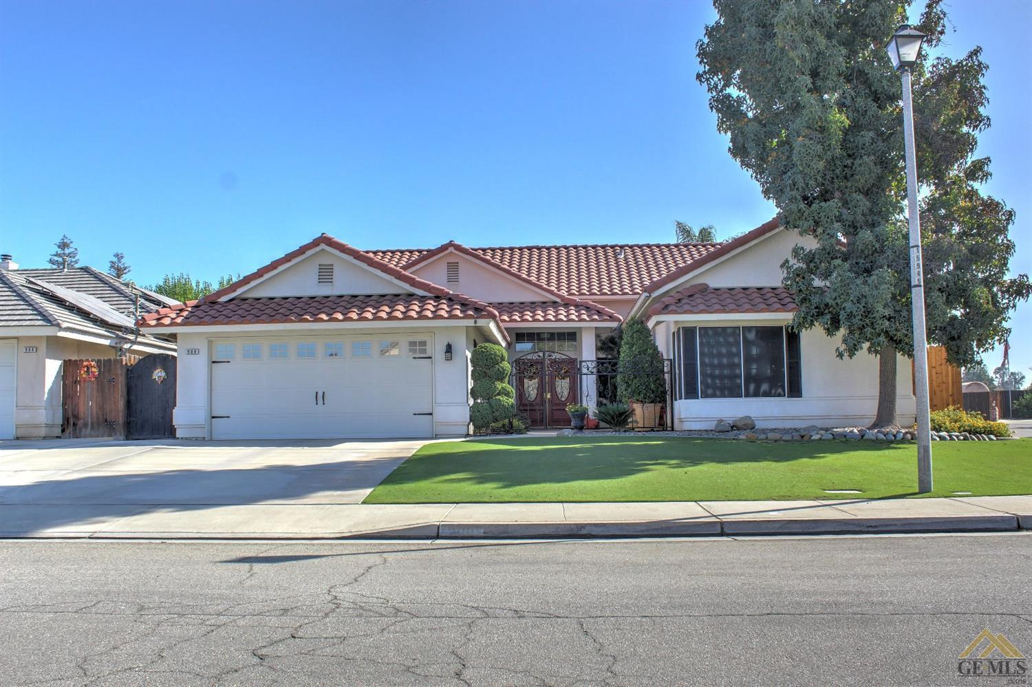 4 bed / 3 baths Home in Bakersfield for $399,900