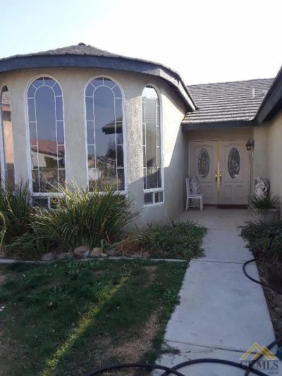Bakersfield Single Family Home Active-Contingent: 247 Sunny Meadow Drive