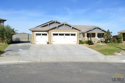 Bakersfield CA Single Family Home For Sale: $360,000