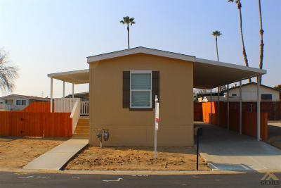 Bakersfield Manufactured Home For Sale: 240 Mary Kay Lane
